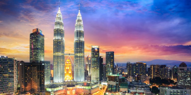 1532502481-travelling-entry-to-malaysia-news_item_slider-t1532502481